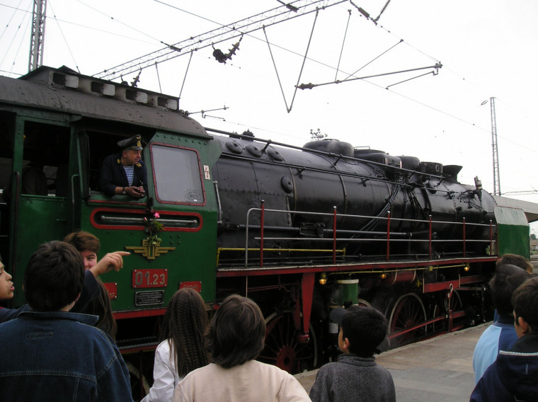 БДЖ подарява на деца в неравностойно положение  разходка с парен локомотив до Банкя