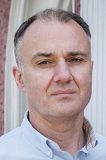 Светломир Николов